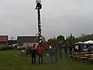 Maibaum aufstellen 2008_43