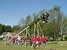 Maibaum aufstellen 2009_53